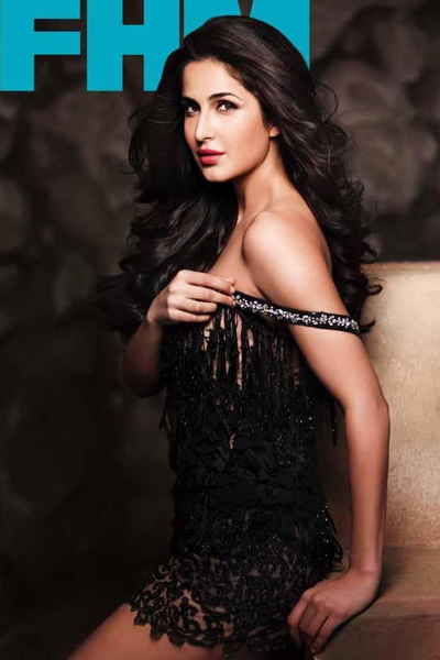katrina-kaif-in-hot-off-shoulder-outfits