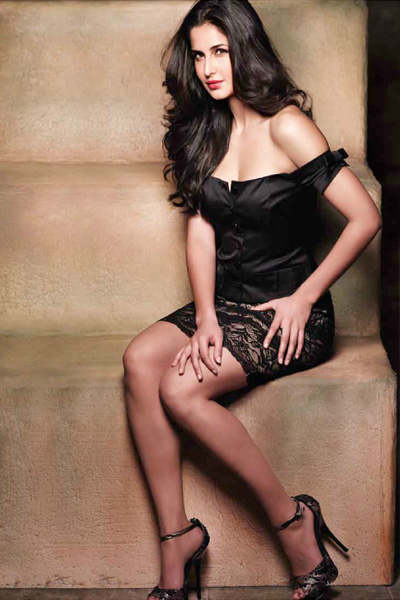 katrina-kaif-poses-in-sultry-avatar-very-hot