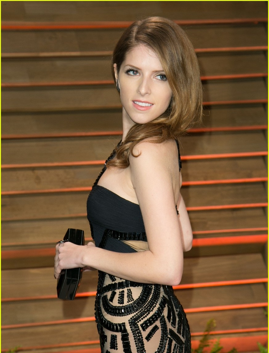 anna-kendrick-hot-bikini-photos