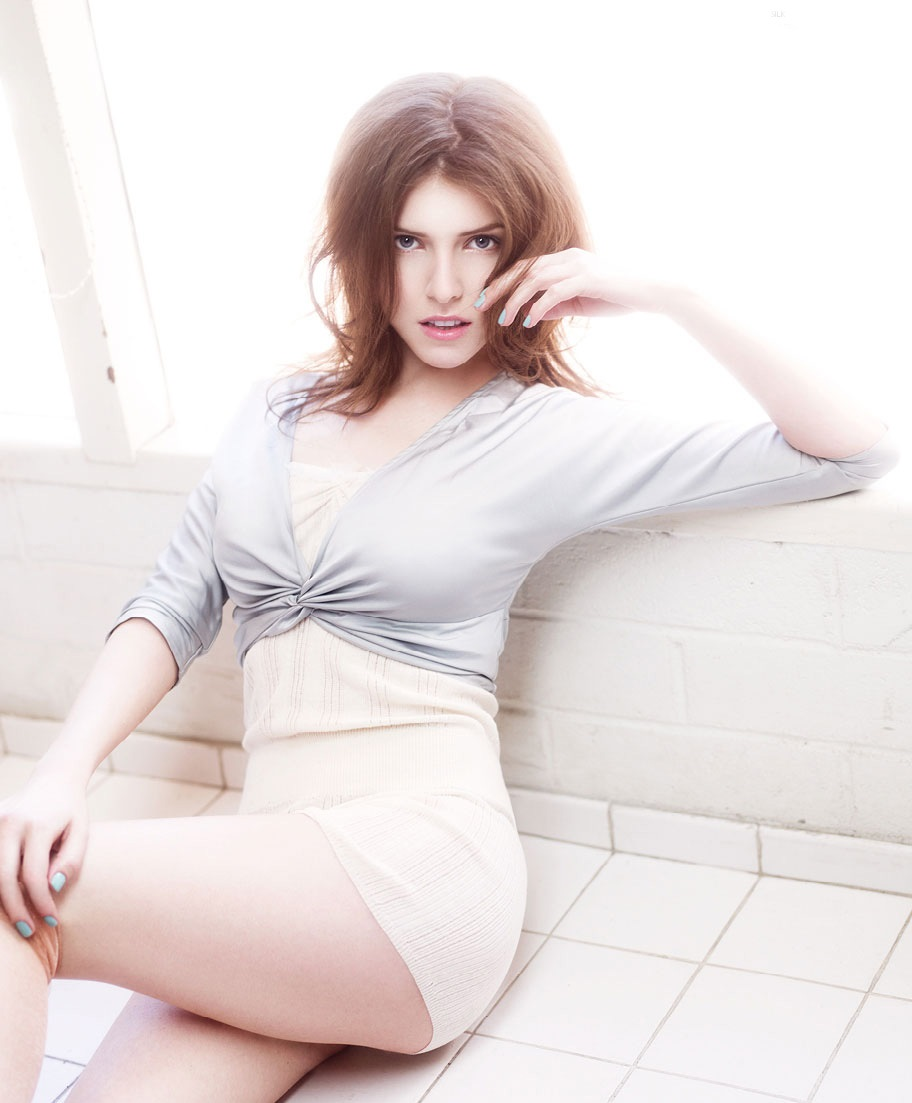 anna-kendrick-hot-photoshoot