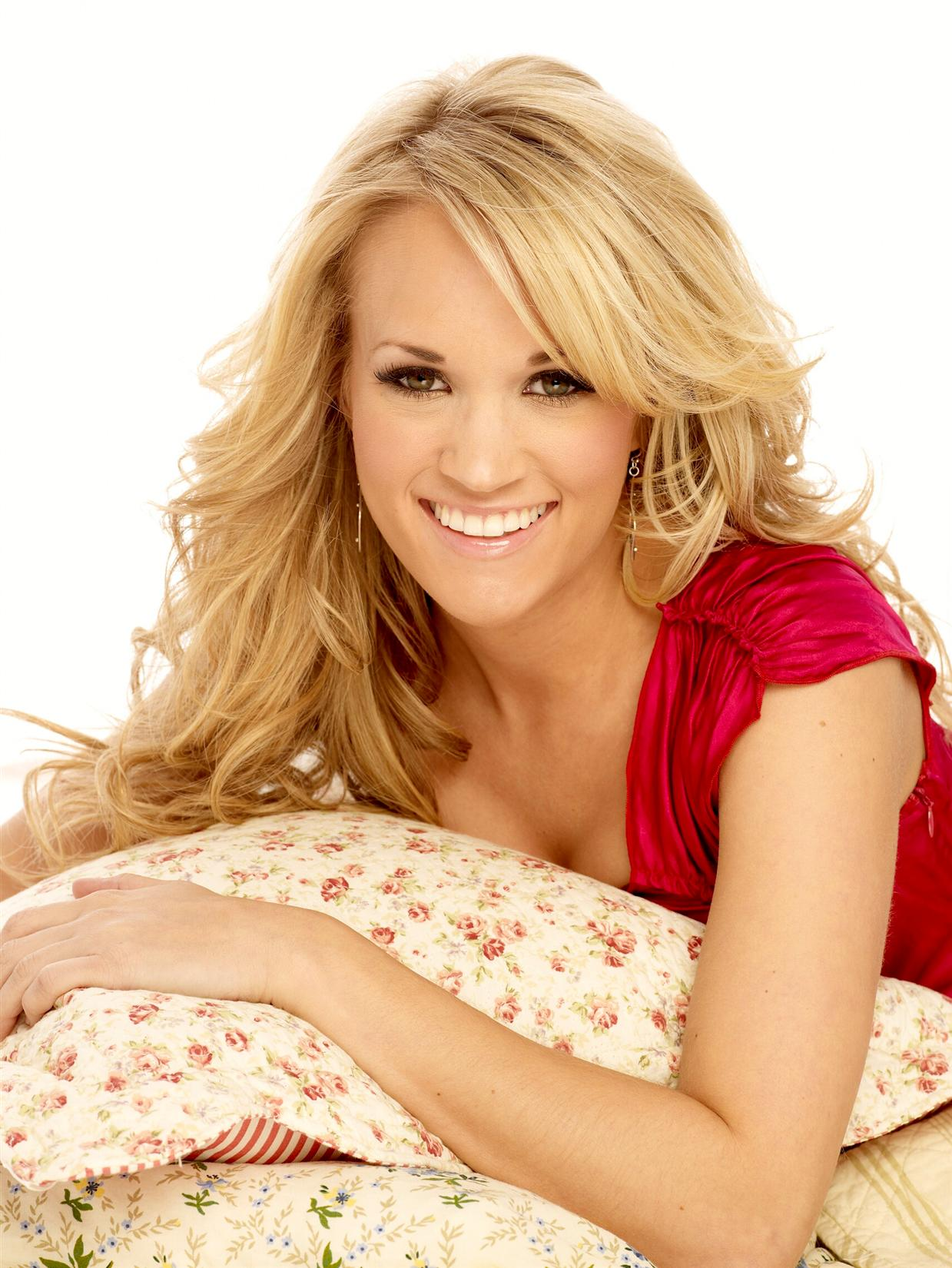 carrie-underwood-hot-and-sexy-stills