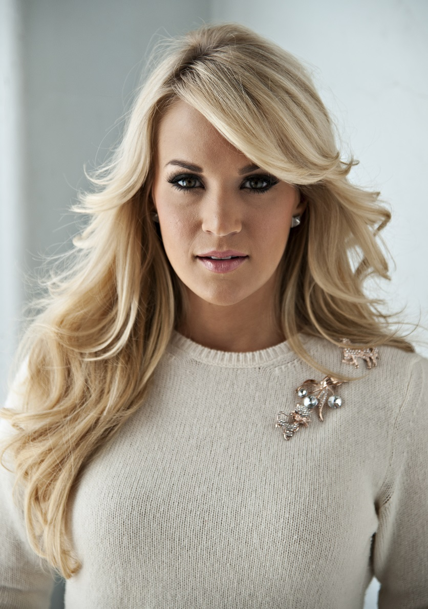 carrie-underwood-hot-in-lingerie