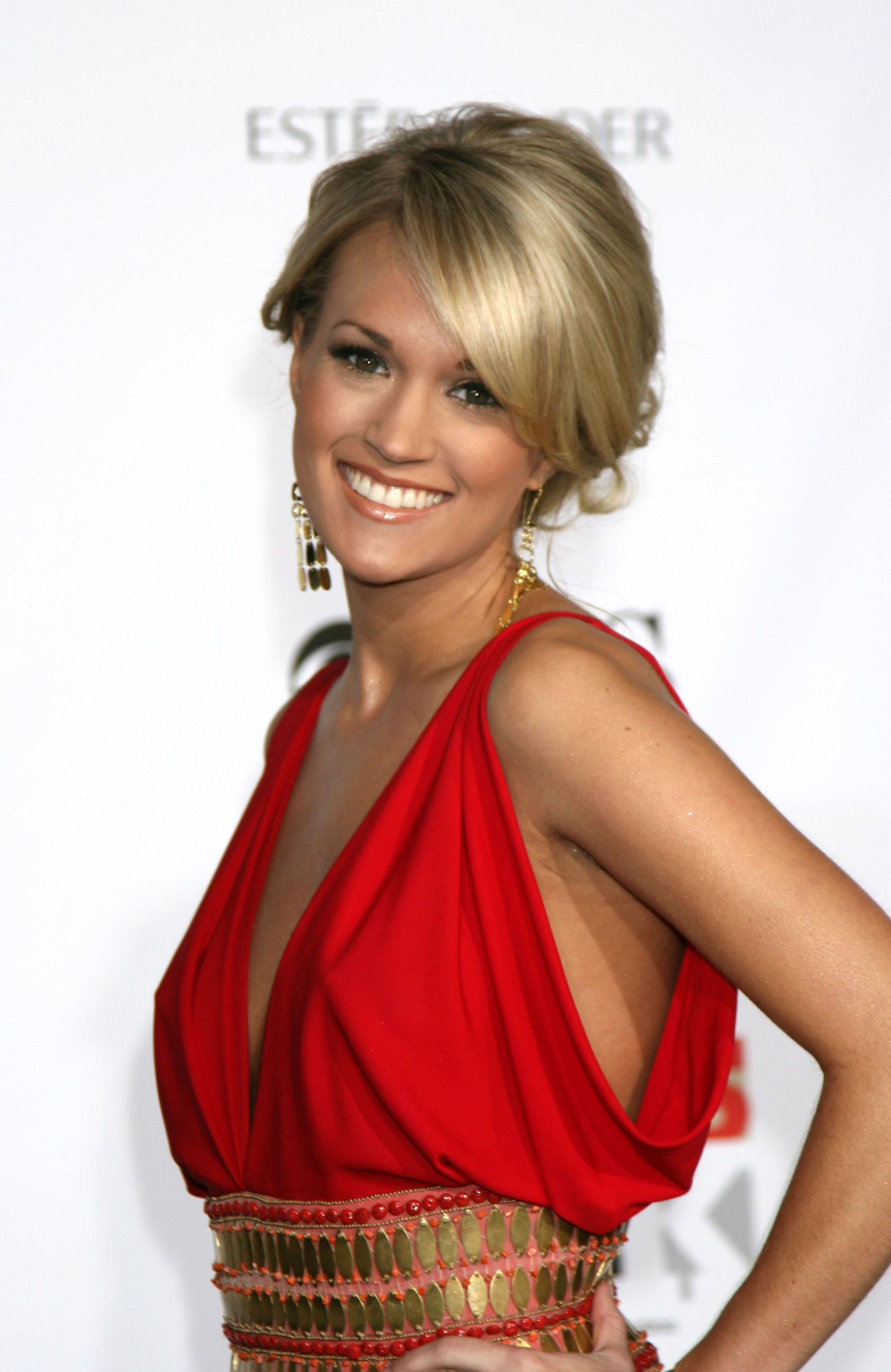 "Carrie Underwood ""Movies Rock"" 2007 - arrivals at the Kodak Theater Los Angeles, California - 02.12.07 Credit: (Mandatory): Nikki Nelson / WENN"