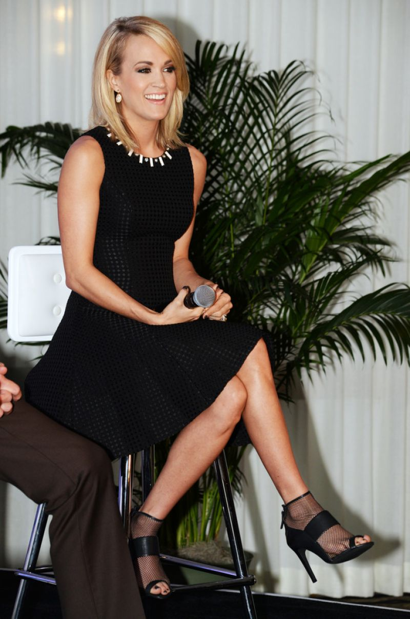 carrie-underwood-sizzling-pics