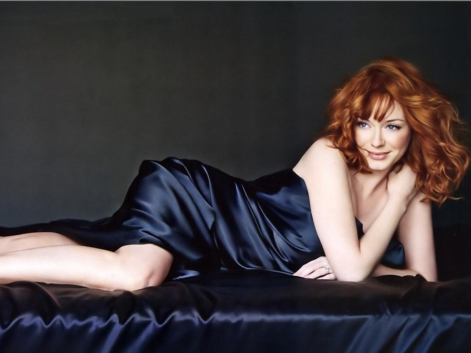 christina-hendricks-leaked