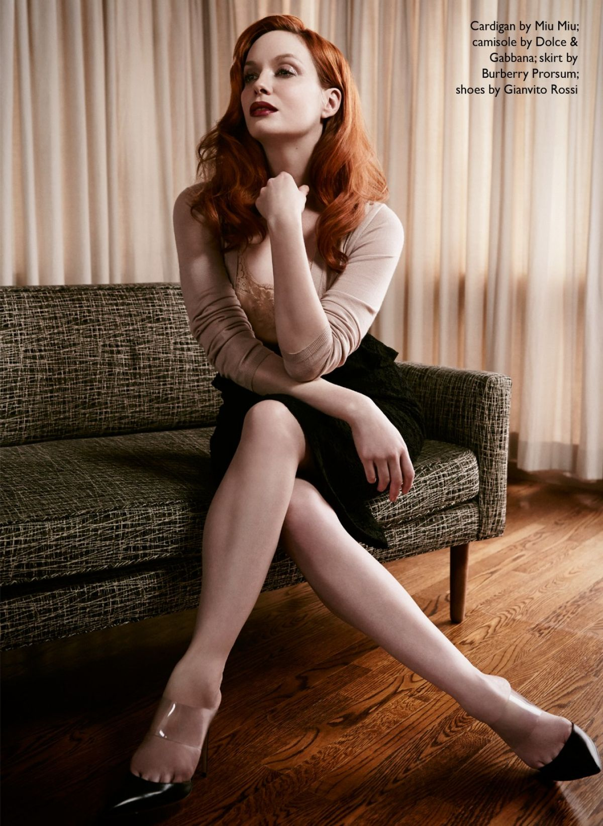 christina-hendricks-naked