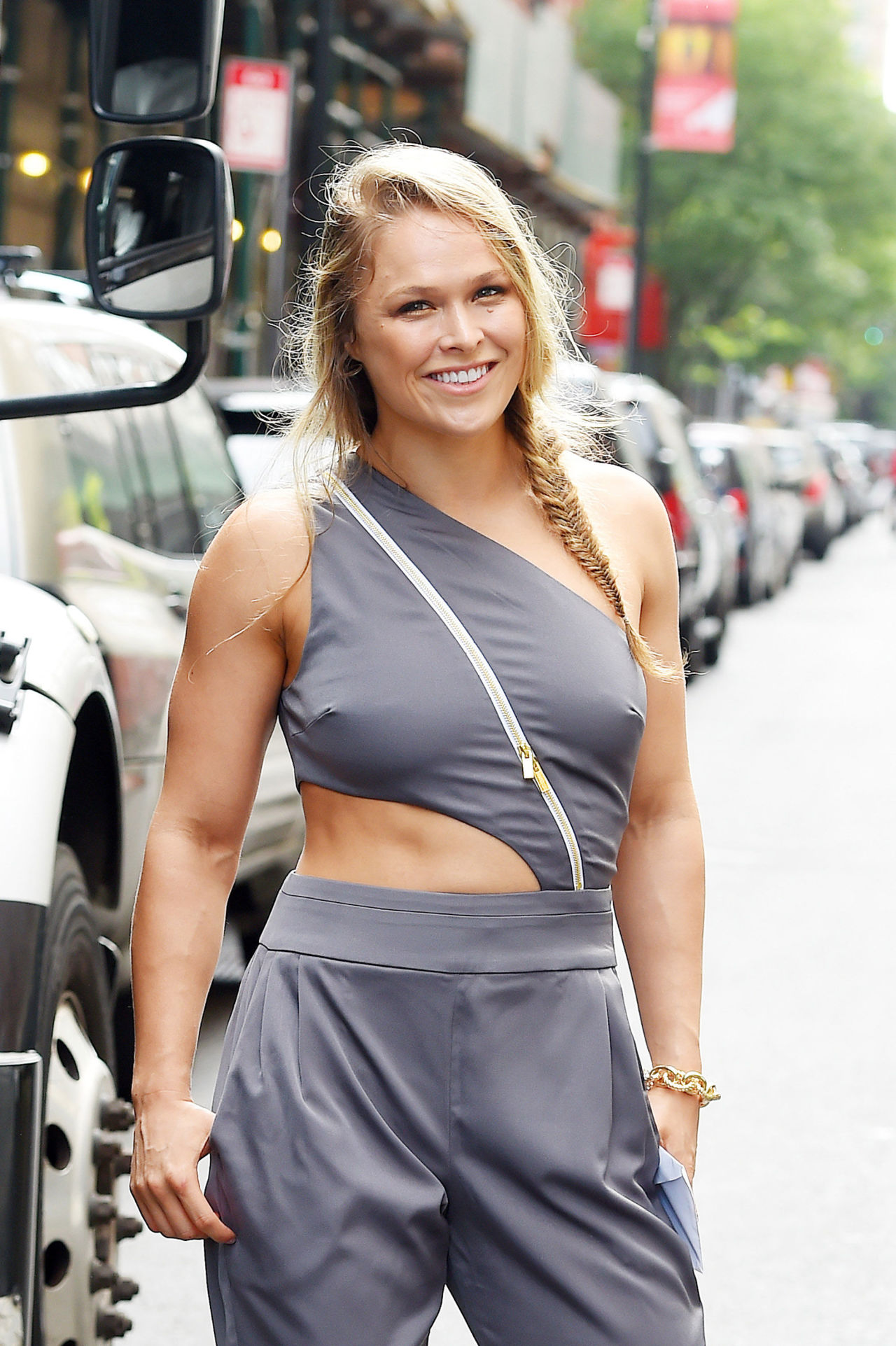 ronda-rousey-swimsuit