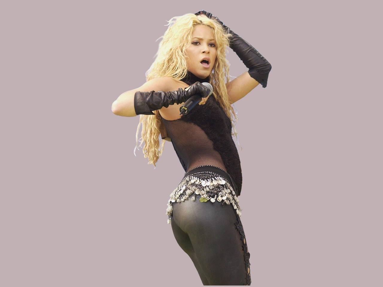 shakira-spicy-stills-in-tights