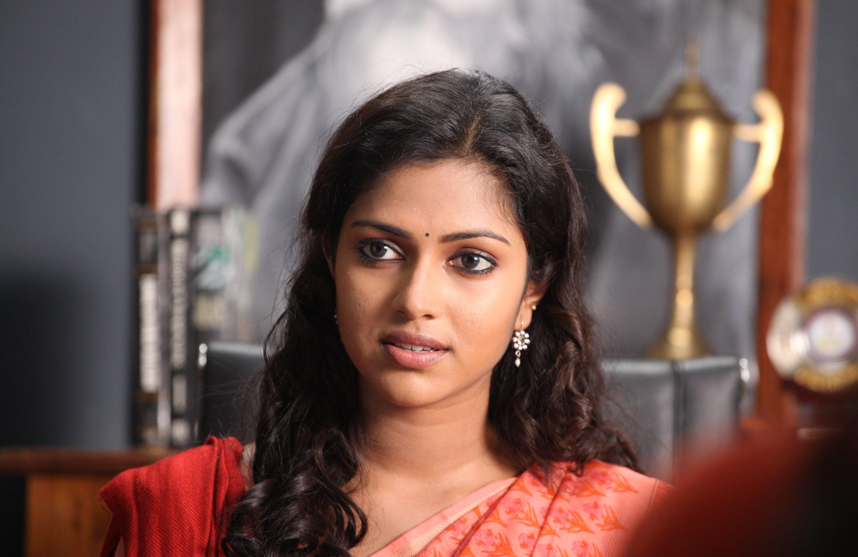 amala-paul-date-of-birth