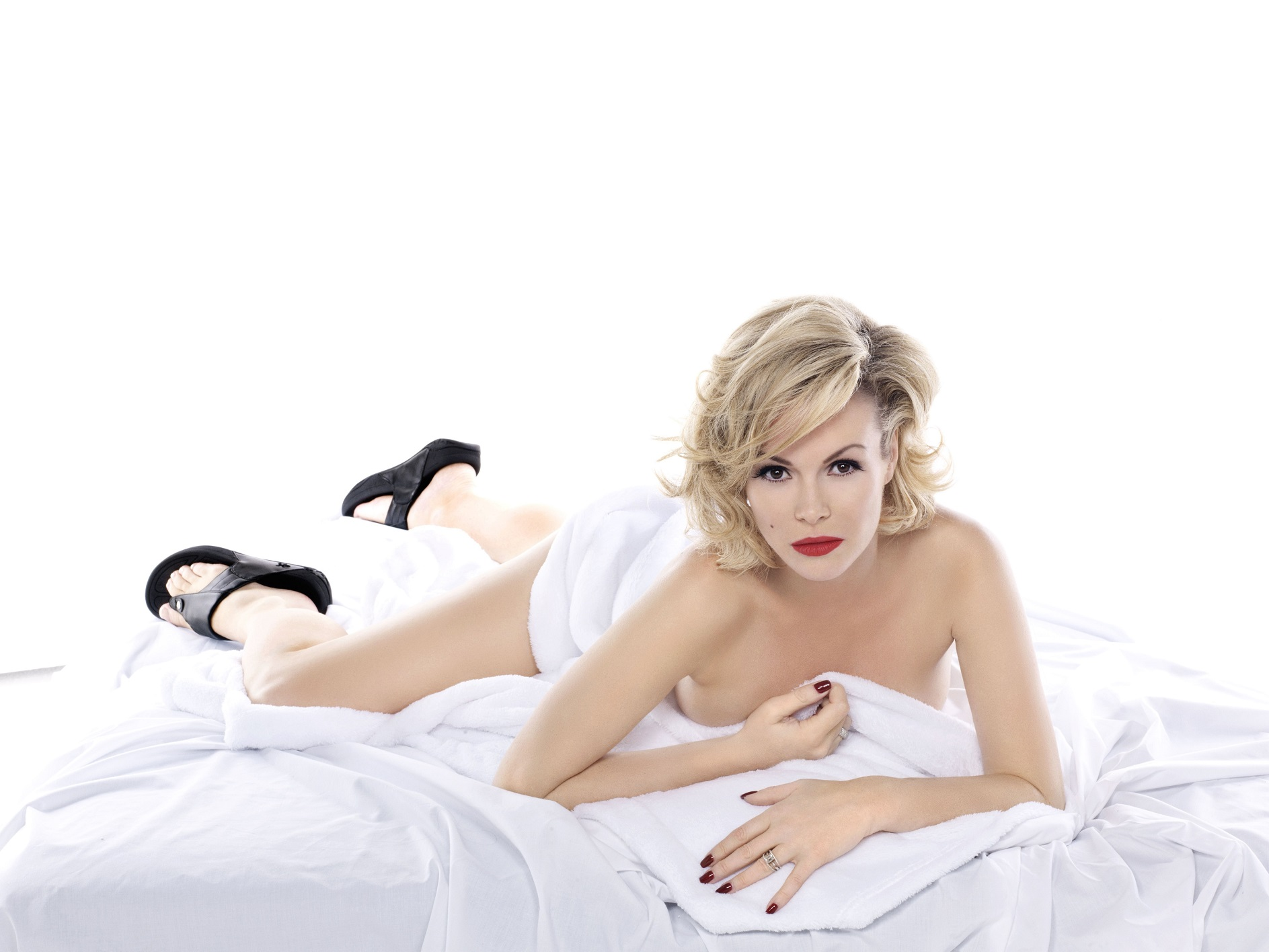 amanda-holden-naked