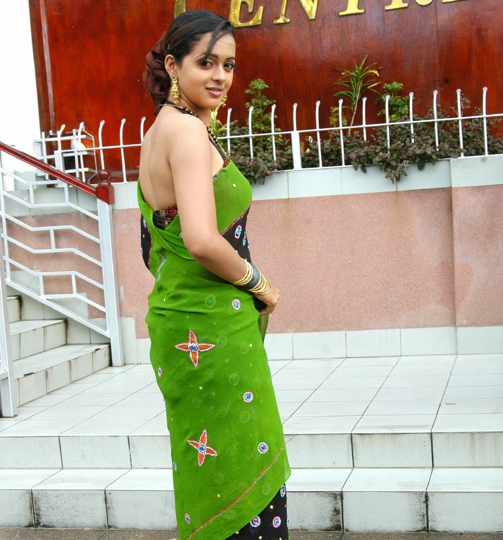 bhavana-hot-in-saree
