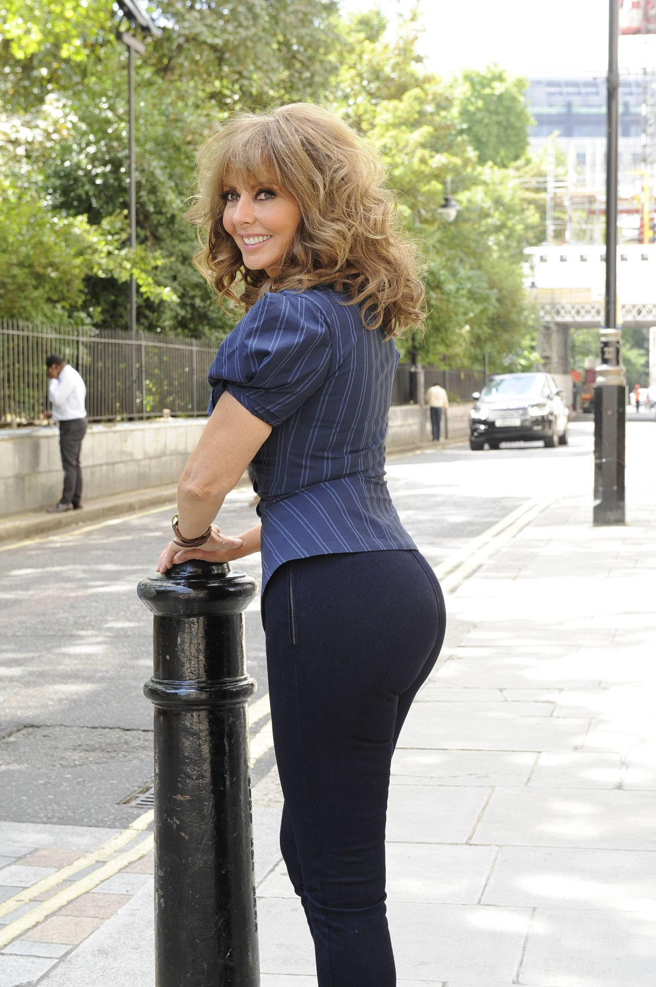 carol-vorderman-hot-photos