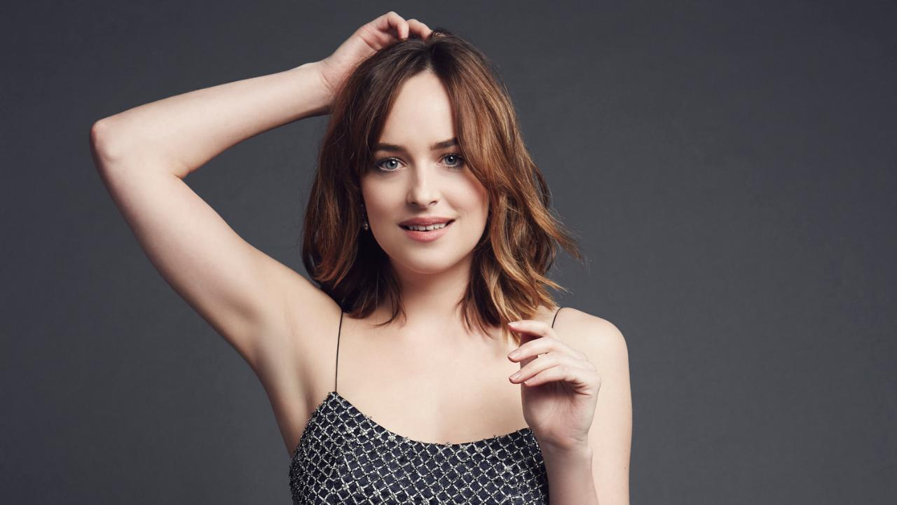 dakota-johnson-naked-and-sexy