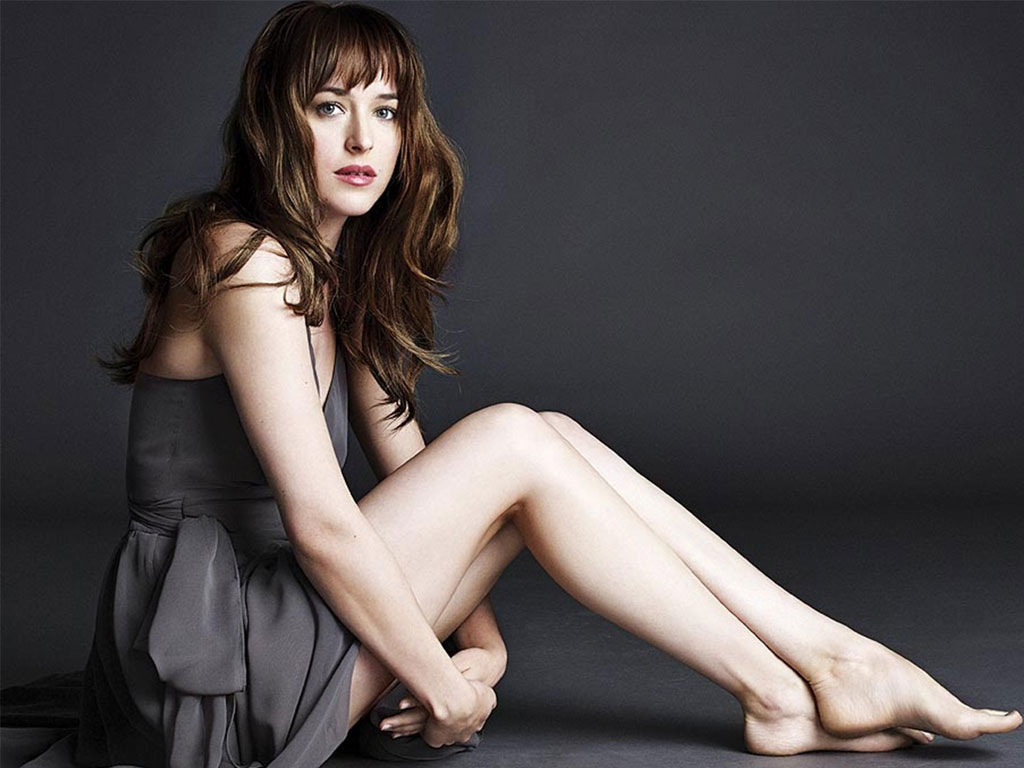 dakota-johnson-topless-image