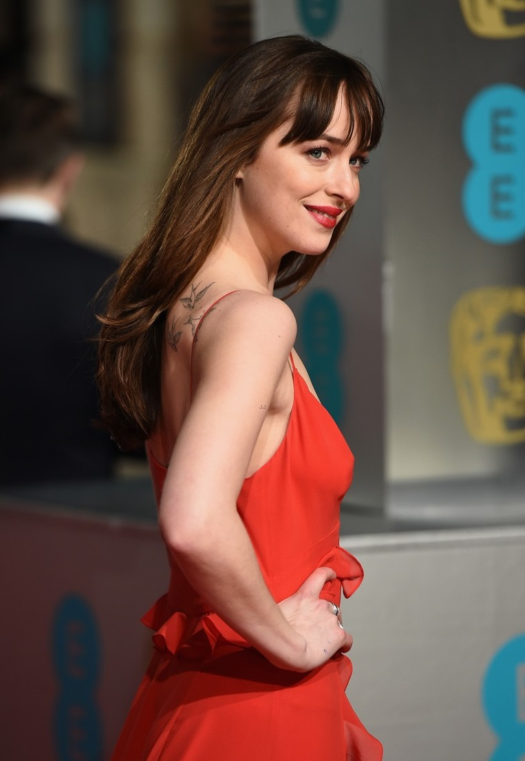 dakota-johnson-topless-pics
