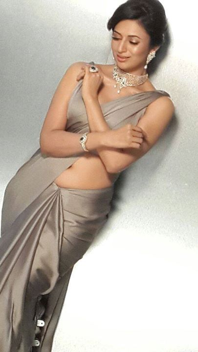 divyanka-tripathi-in-silk-saree