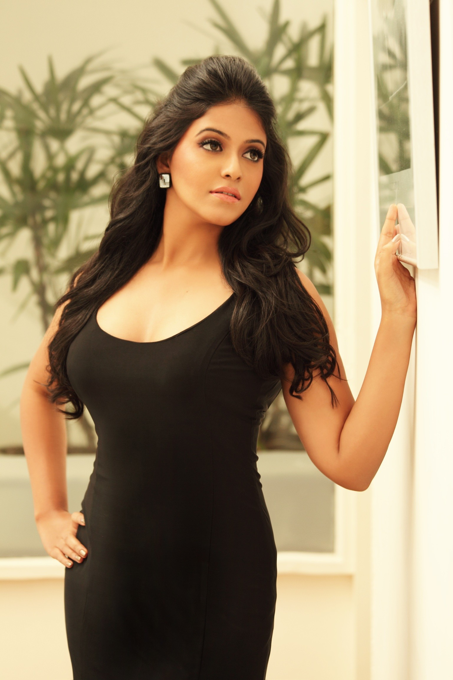 hot-actress-anjali-sexy-pics