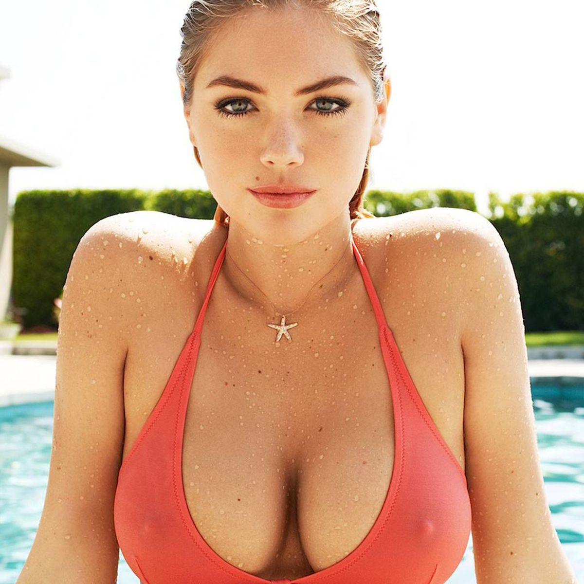 kate-upton-sexy-boobs