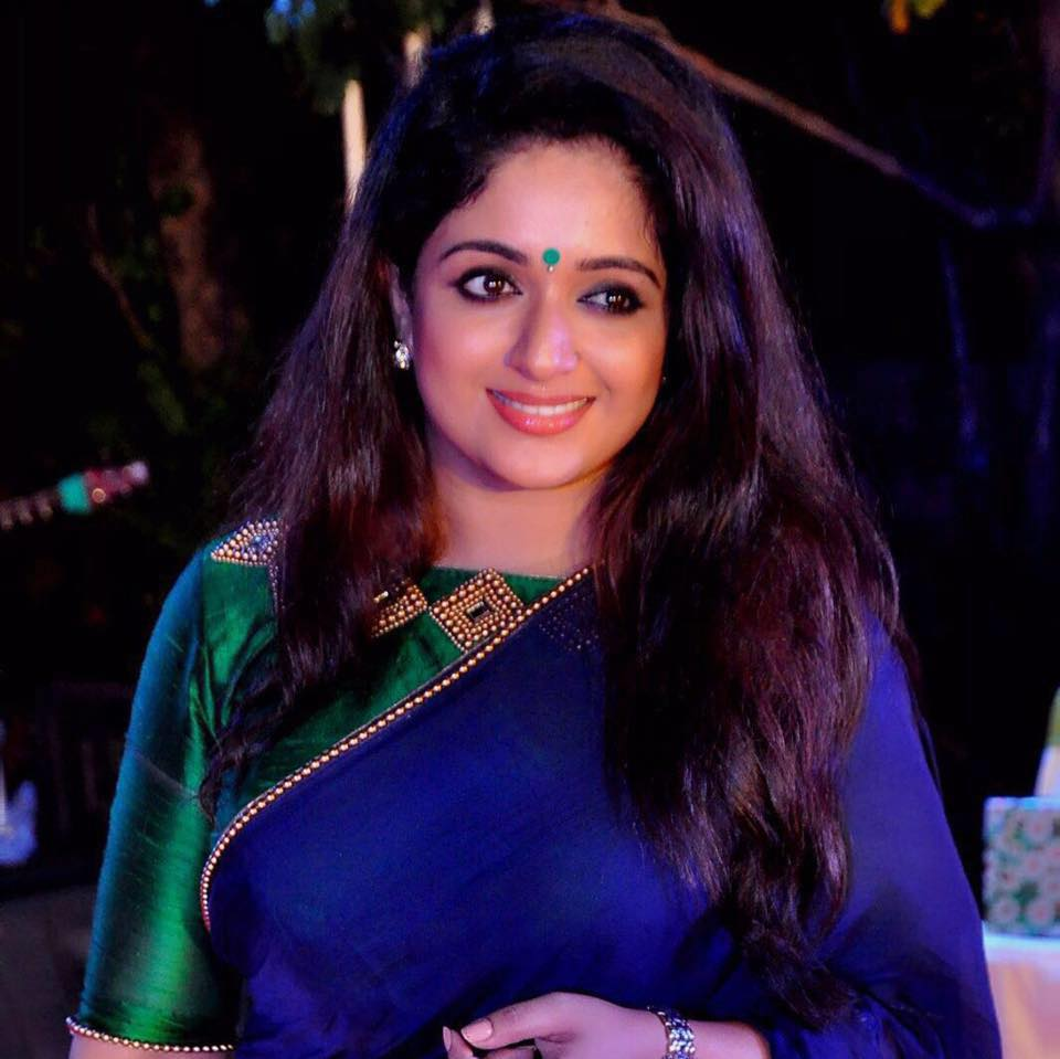 kavya-madhavan-hot-photo