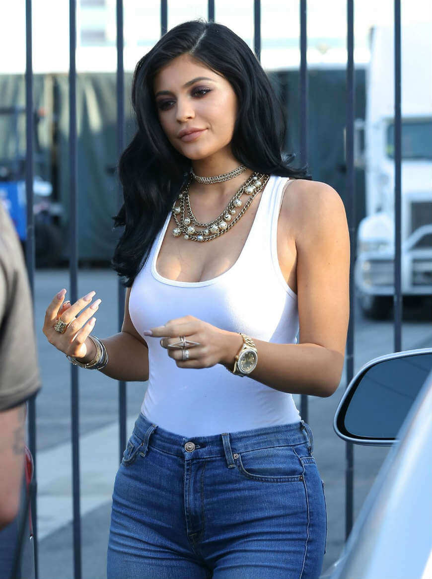 kylie-jenner-leaked-pics
