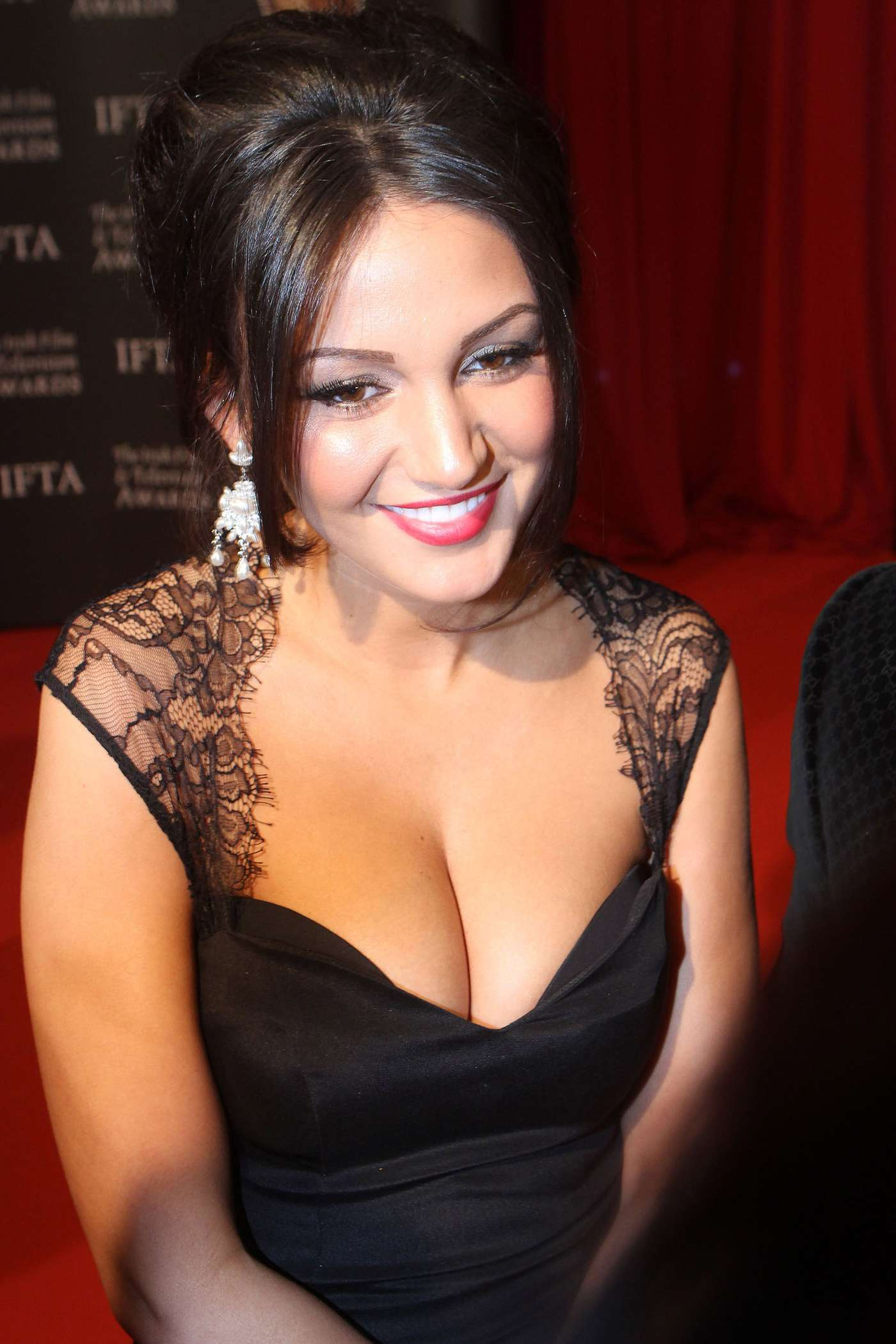 michelle-keegan-hot-wallpapers