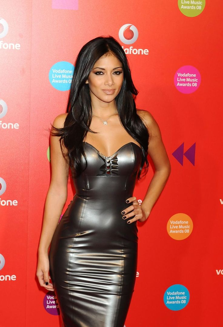 nicole-scherzinger-height