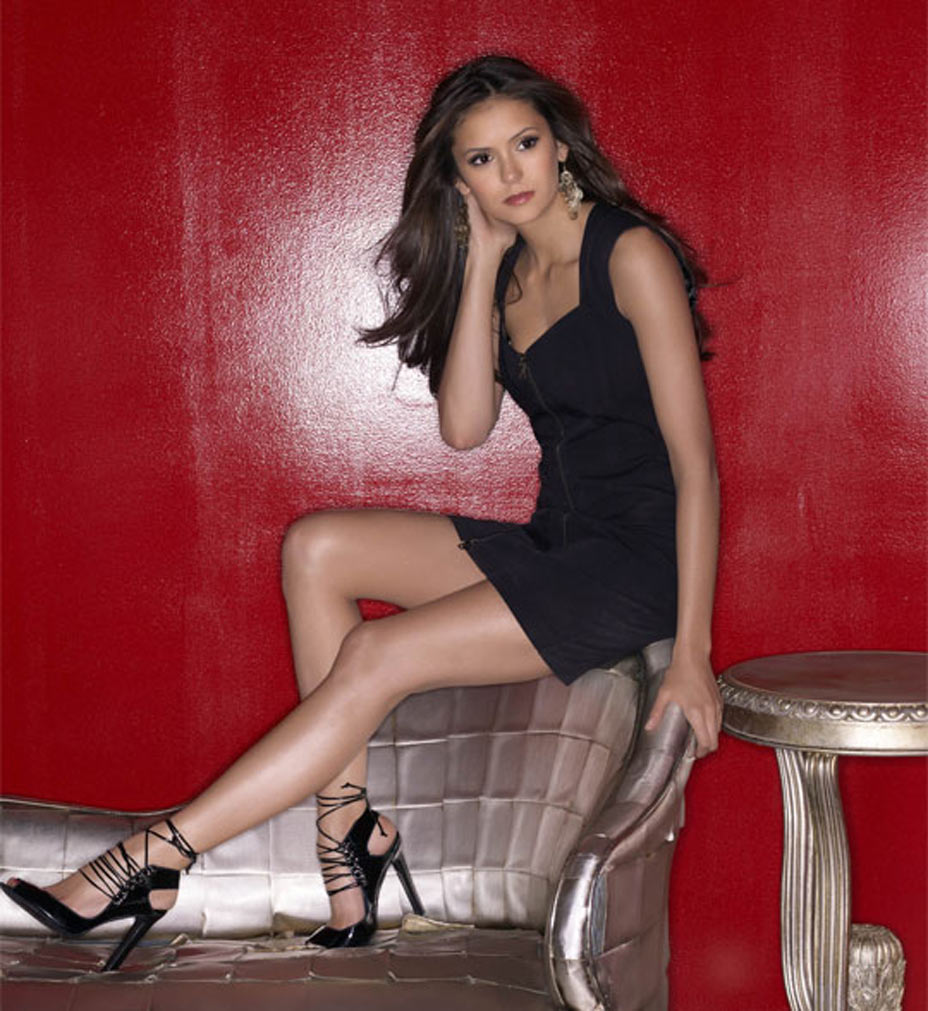nina-dobrev-hot-images