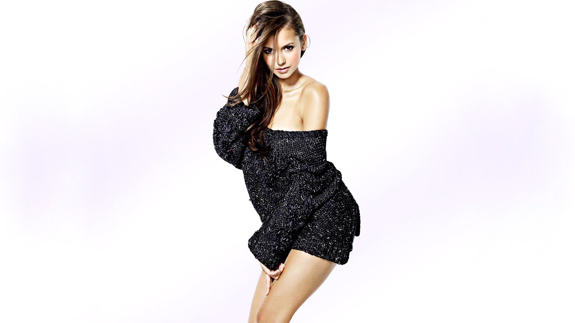 nina-dobrev-sexy-photos