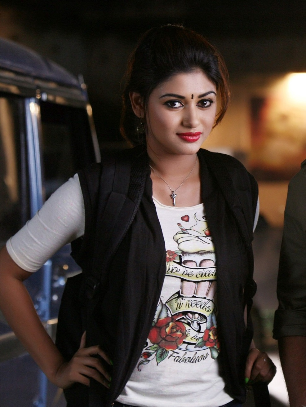 oviya-spicy-stills