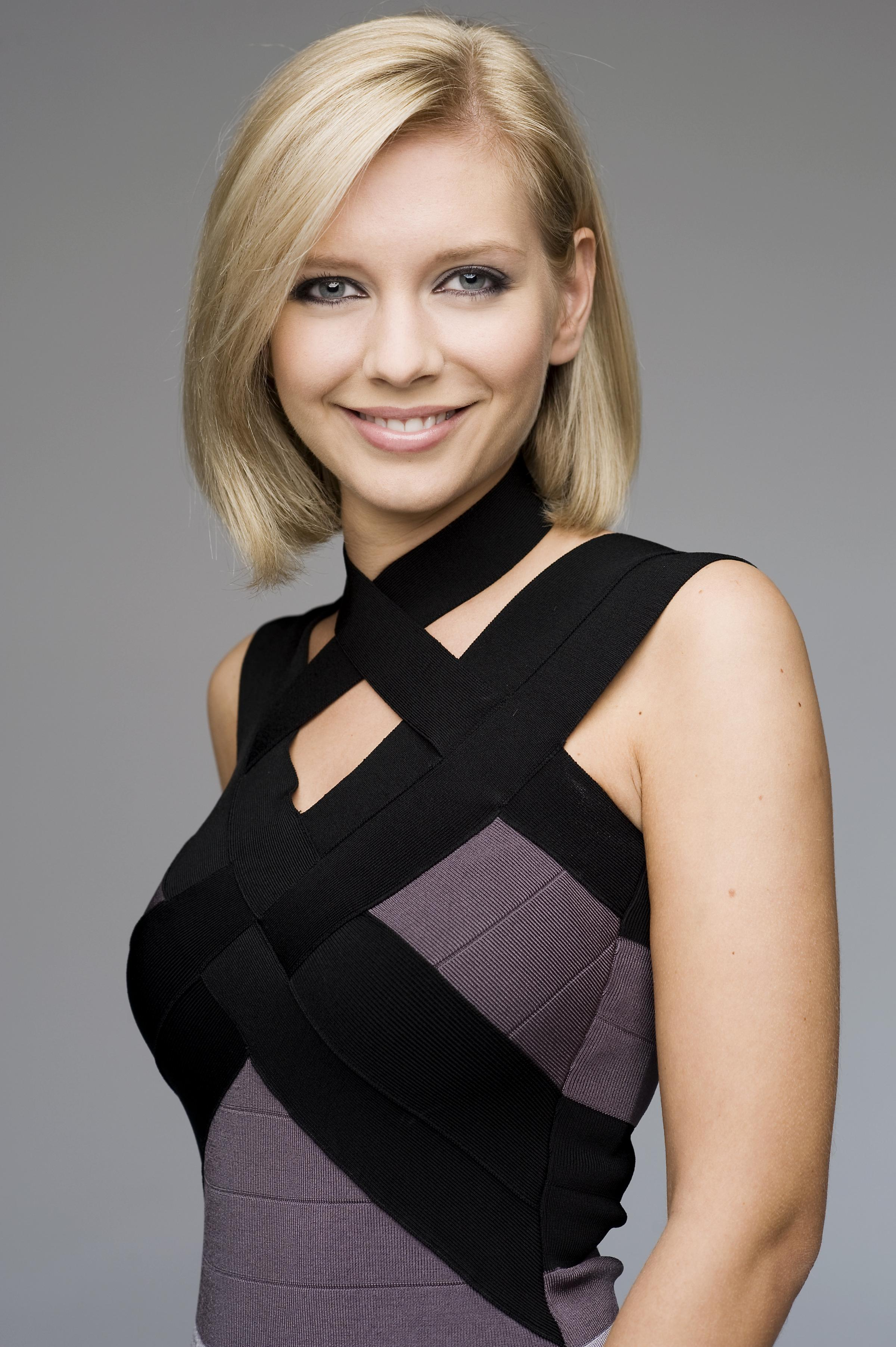 rachel-riley-boobs