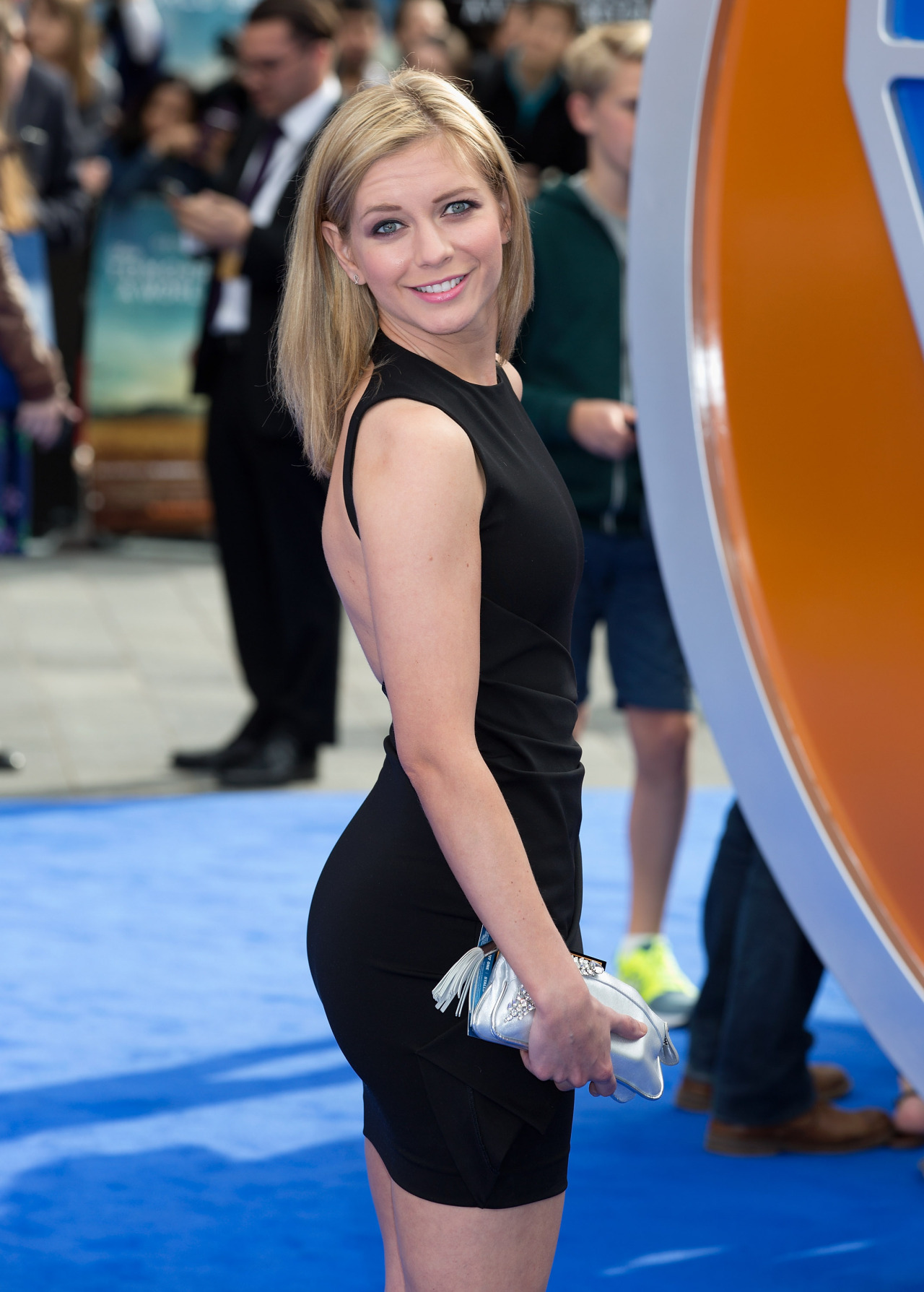 rachel-riley-in-tights