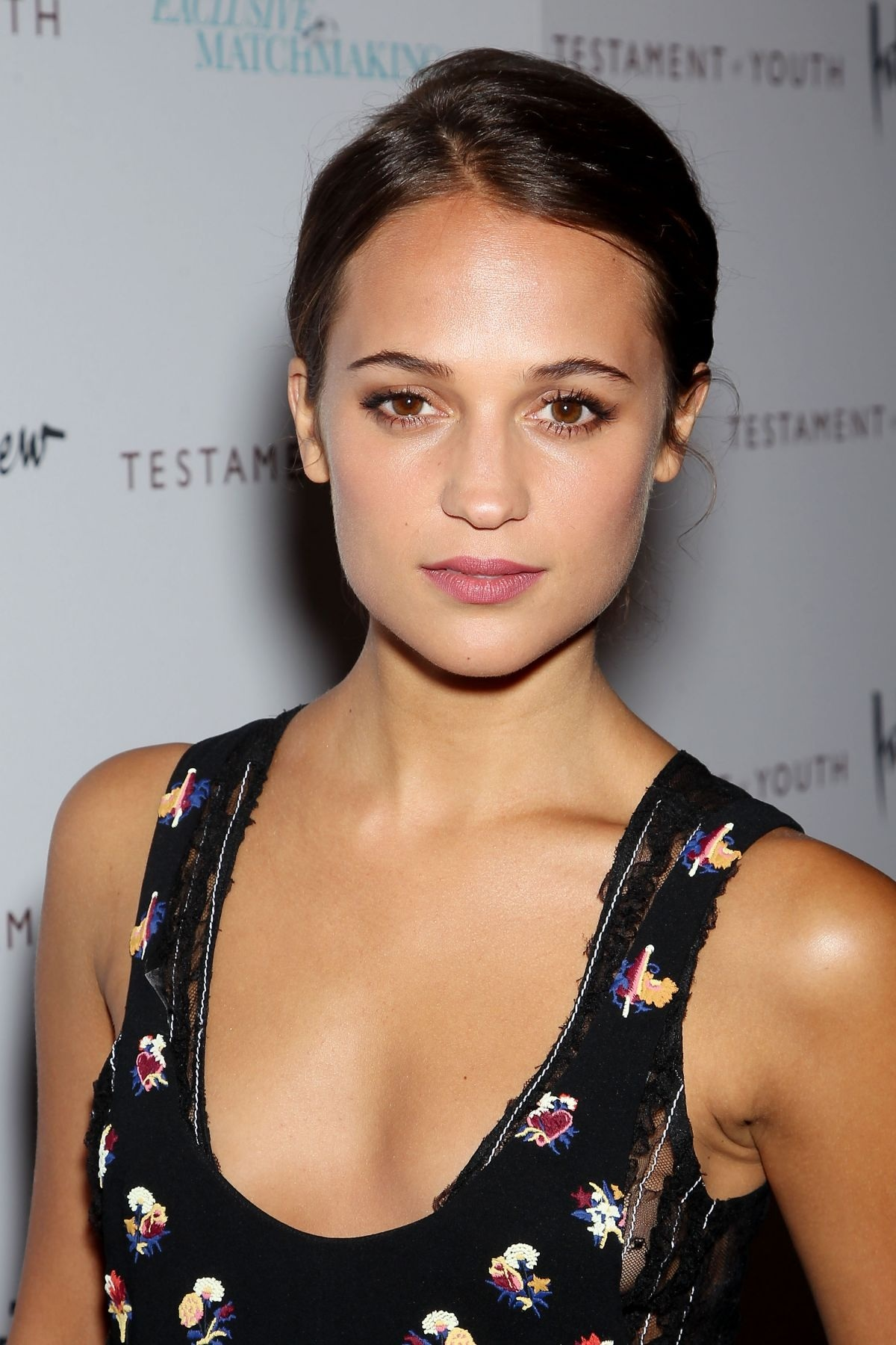 alicia-vikander-hot-pics