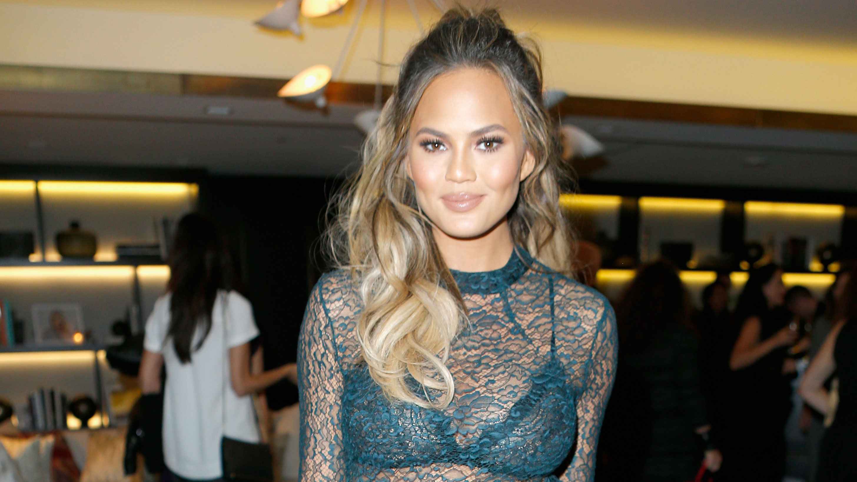 chrissy-teigen-latest-stills