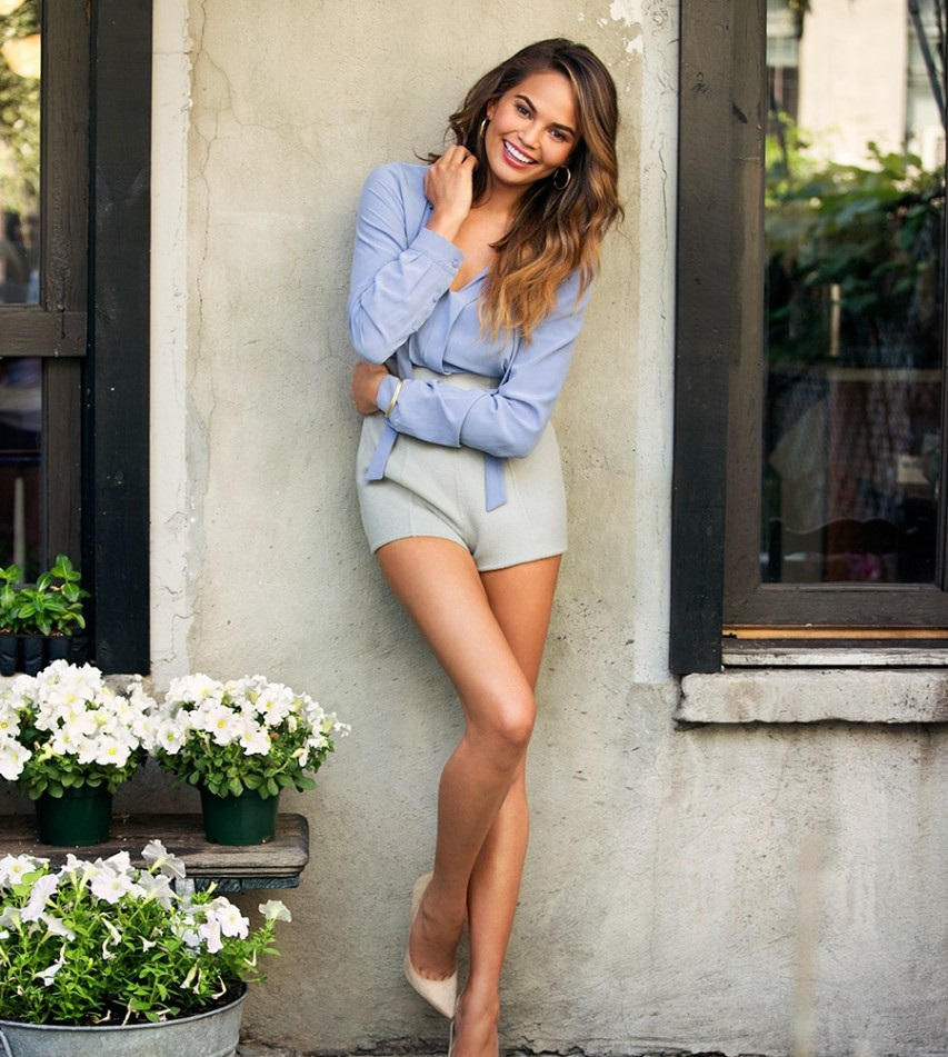 chrissy-teigen-photos