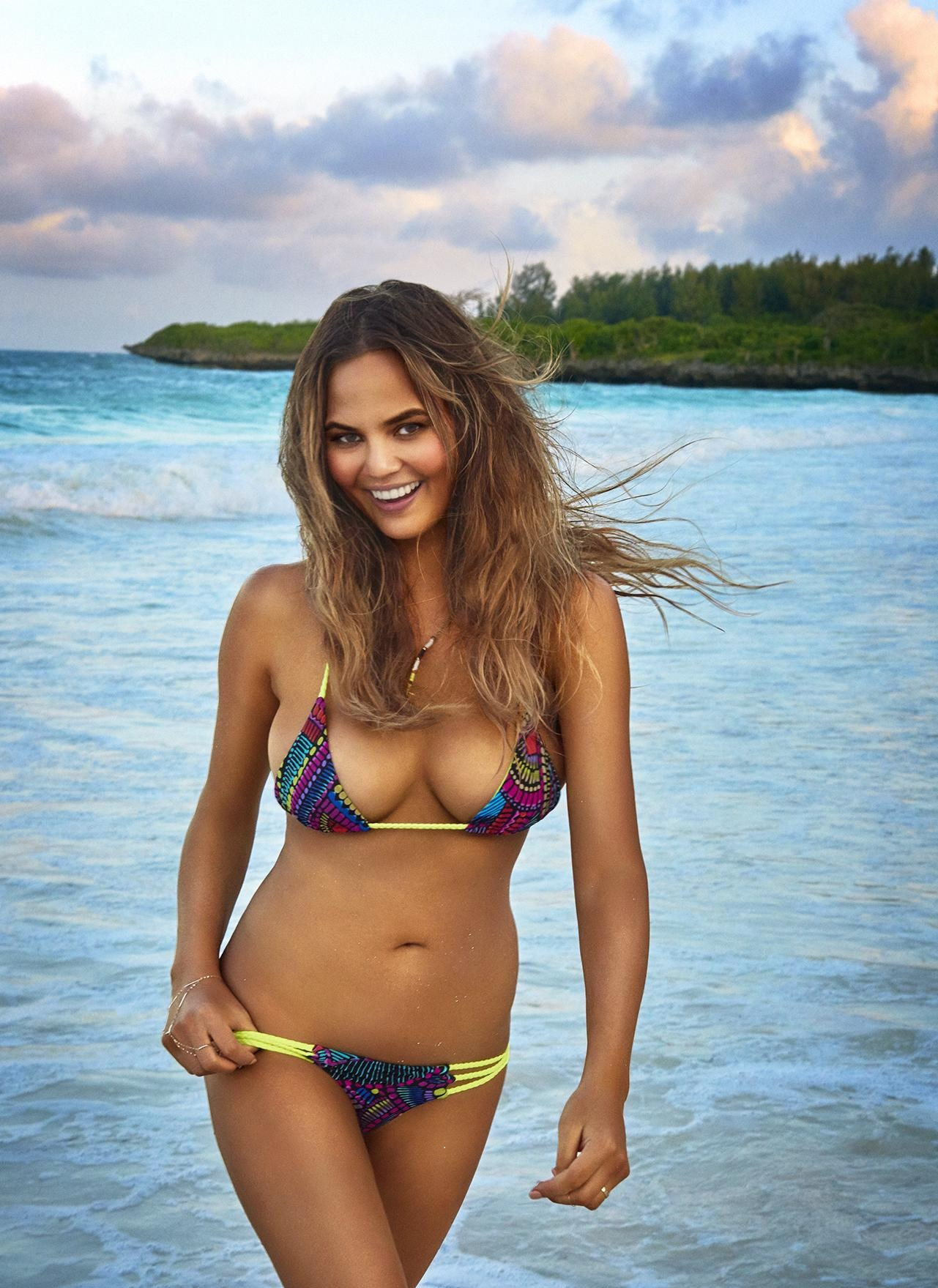 chrissy-teigen-spicy-photos
