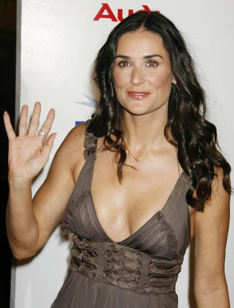 demi-moore-showing-boobs