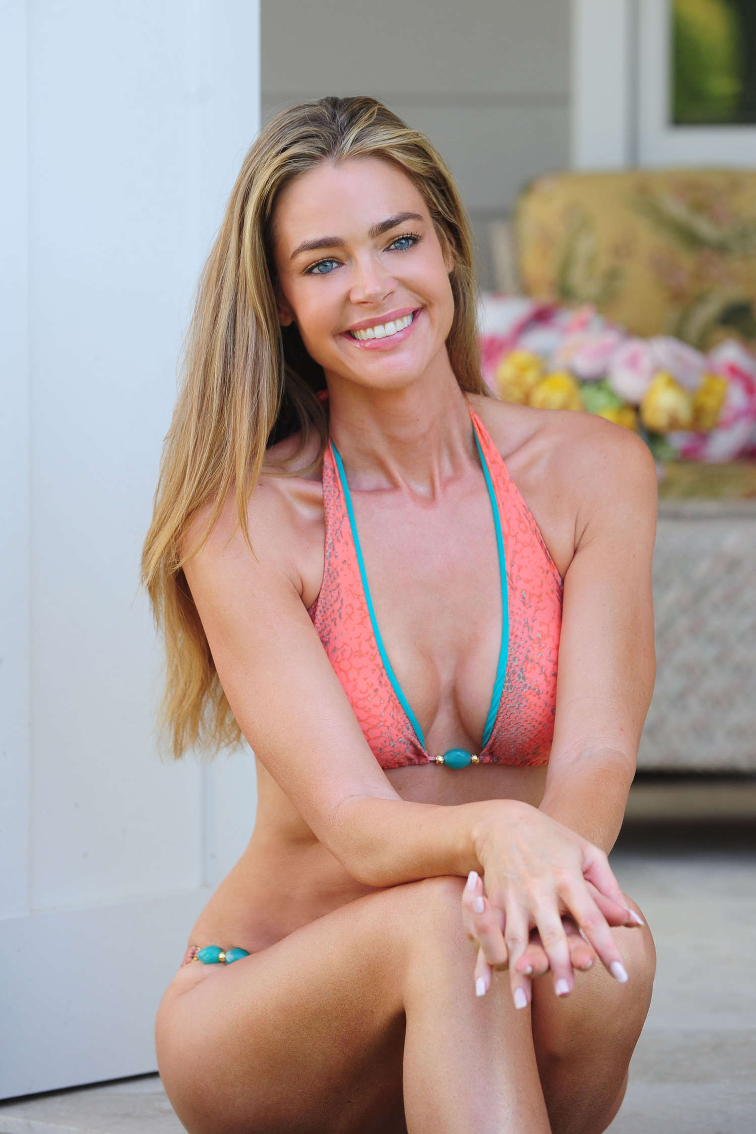 denise-richards-looks-nude