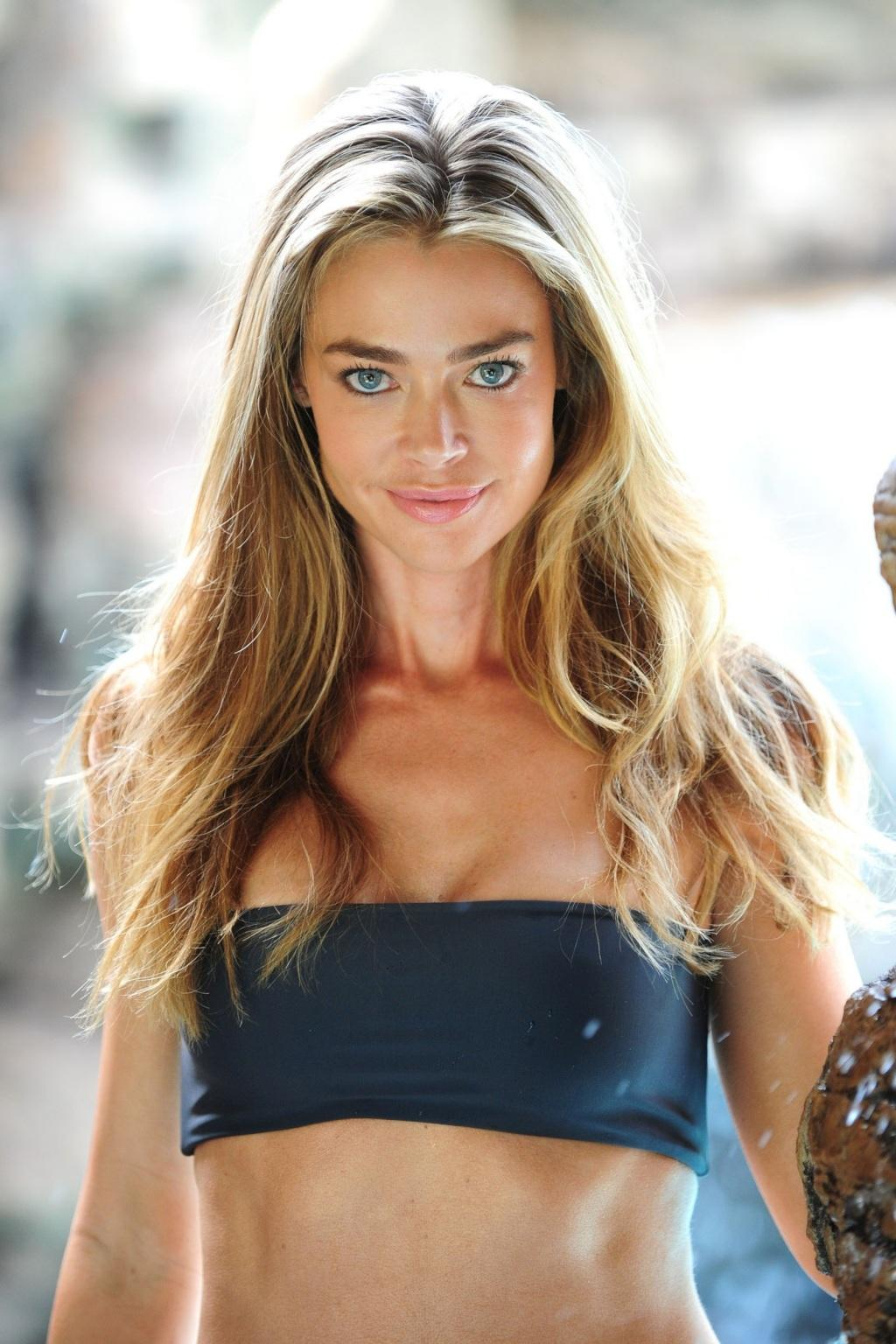 denise-richards-topless-wallpapers