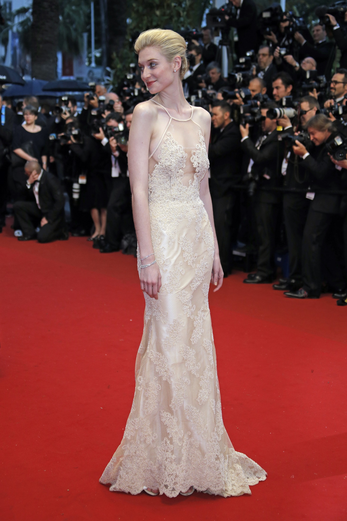 Actress Elizabeth Debicki arrives for the opening ceremony and the screening of The Great Gatsby at the 66th international film festival, in Cannes, southern France, Wednesday, May 15, 2013. (AP Photo/Francois Mori)