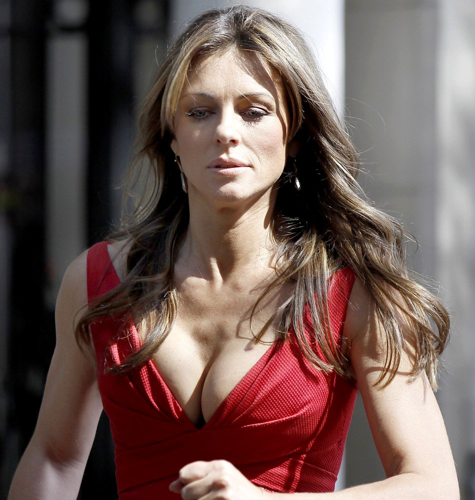 elizabeth-hurley-hot-wallpapers