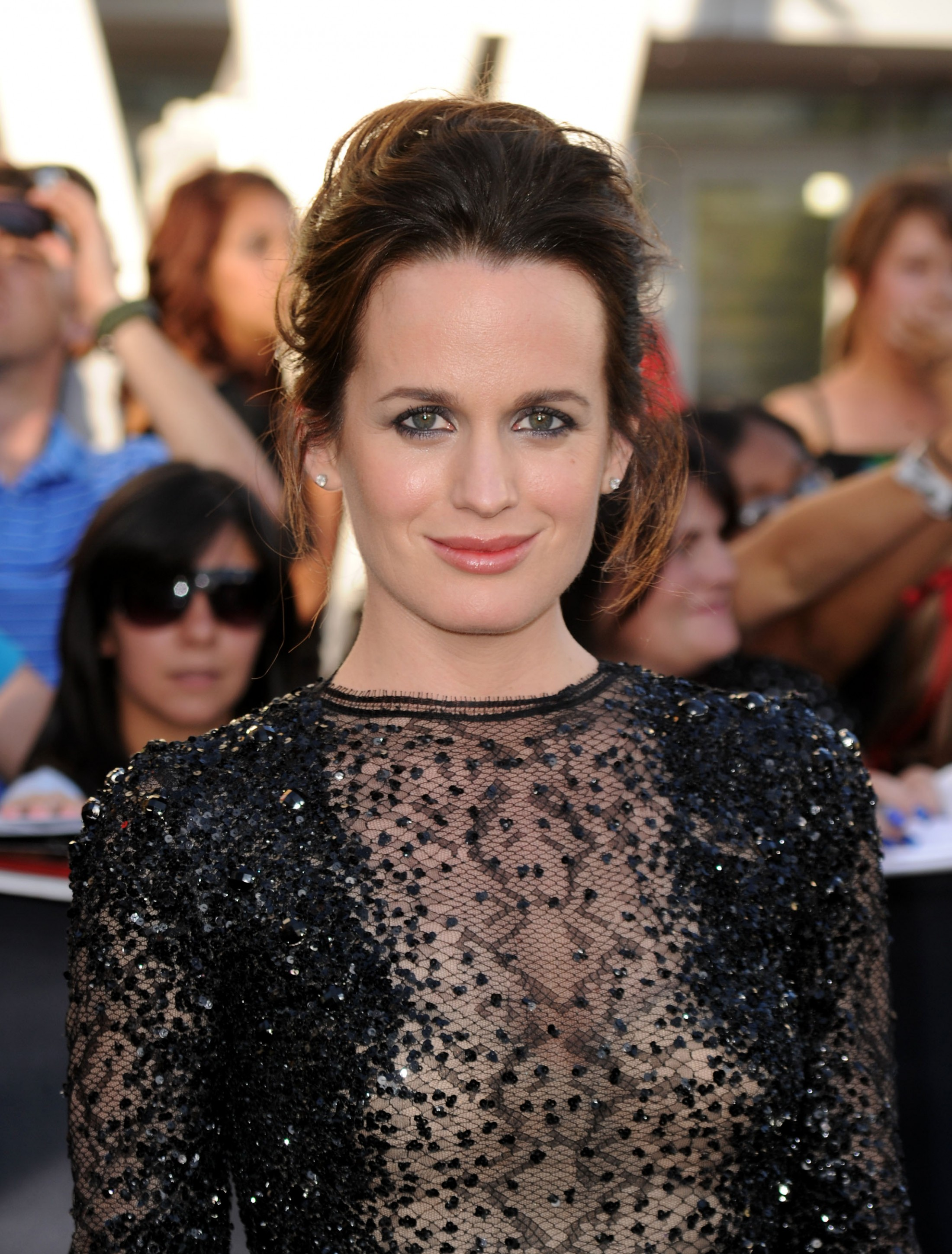 elizabeth-reaser-boobs