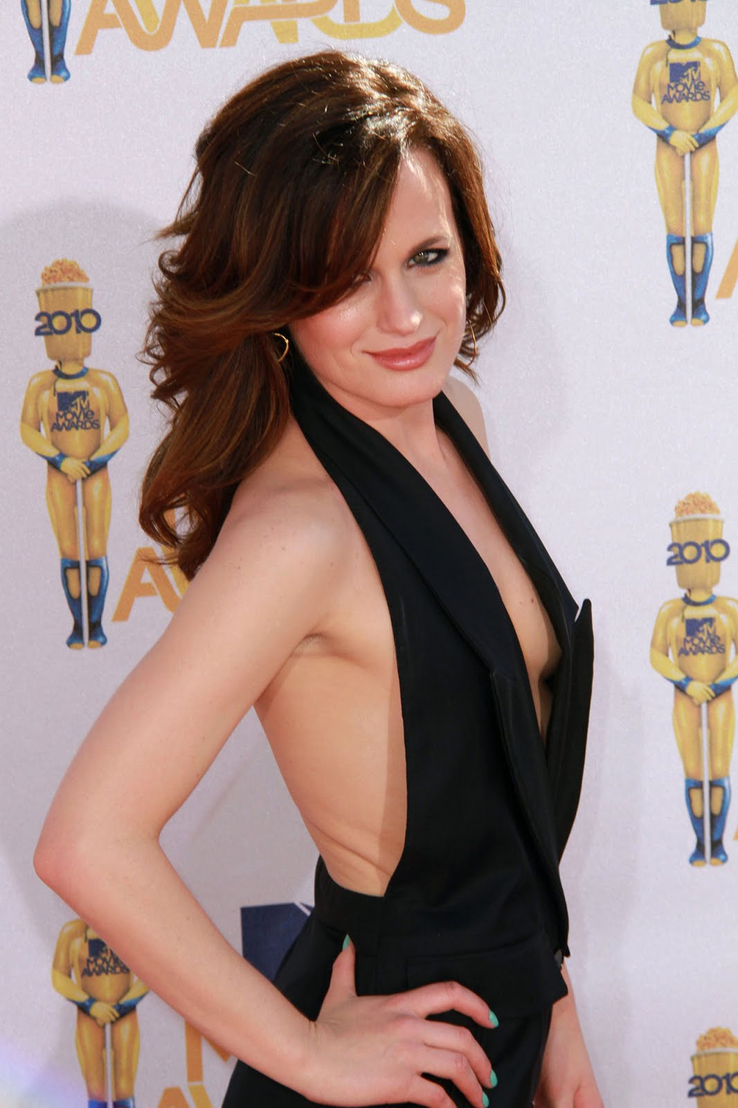 elizabeth-reaser-topless-photos
