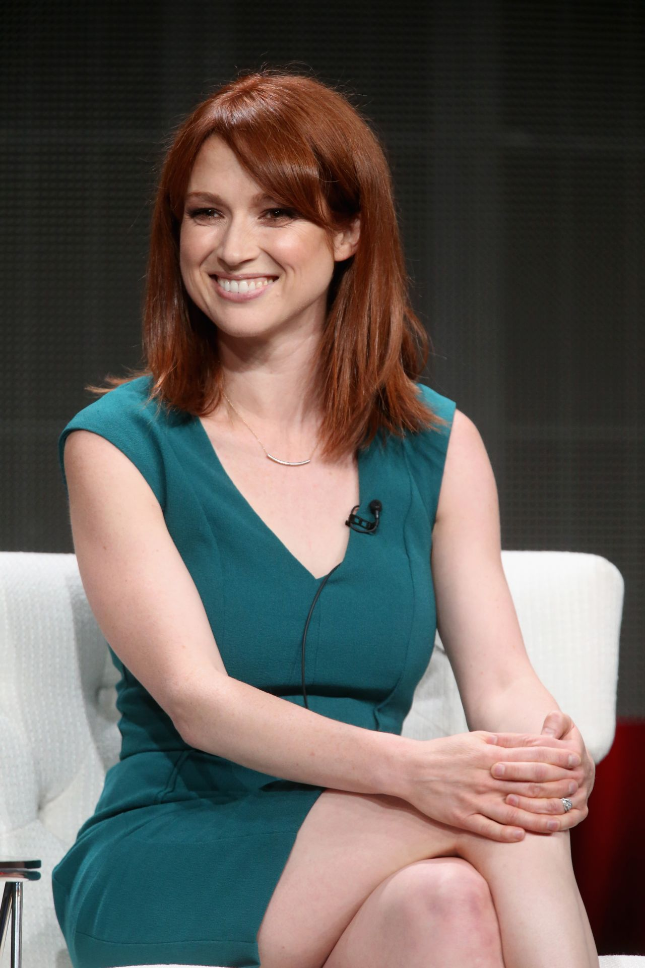 ellie-kemper-hot