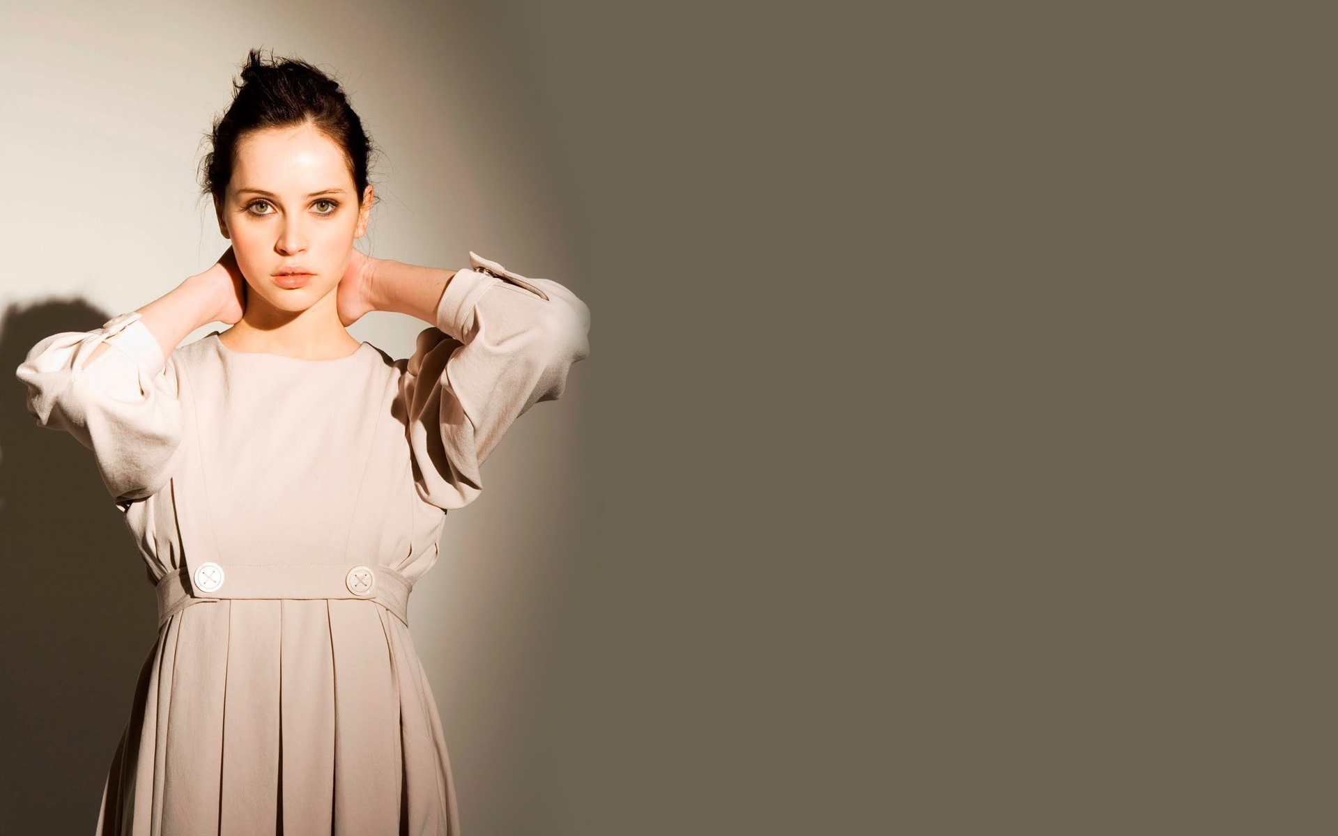 felicity-jones-leaked-pics