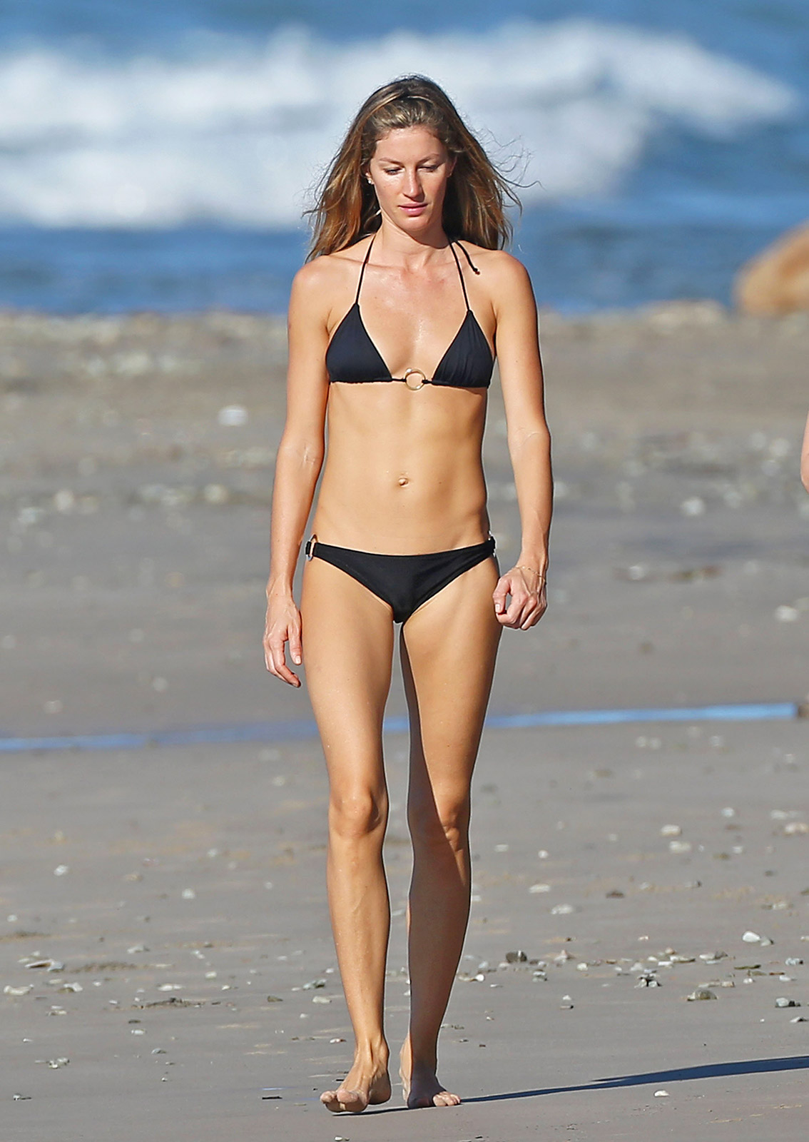 gisele-bundchen-swimsuit