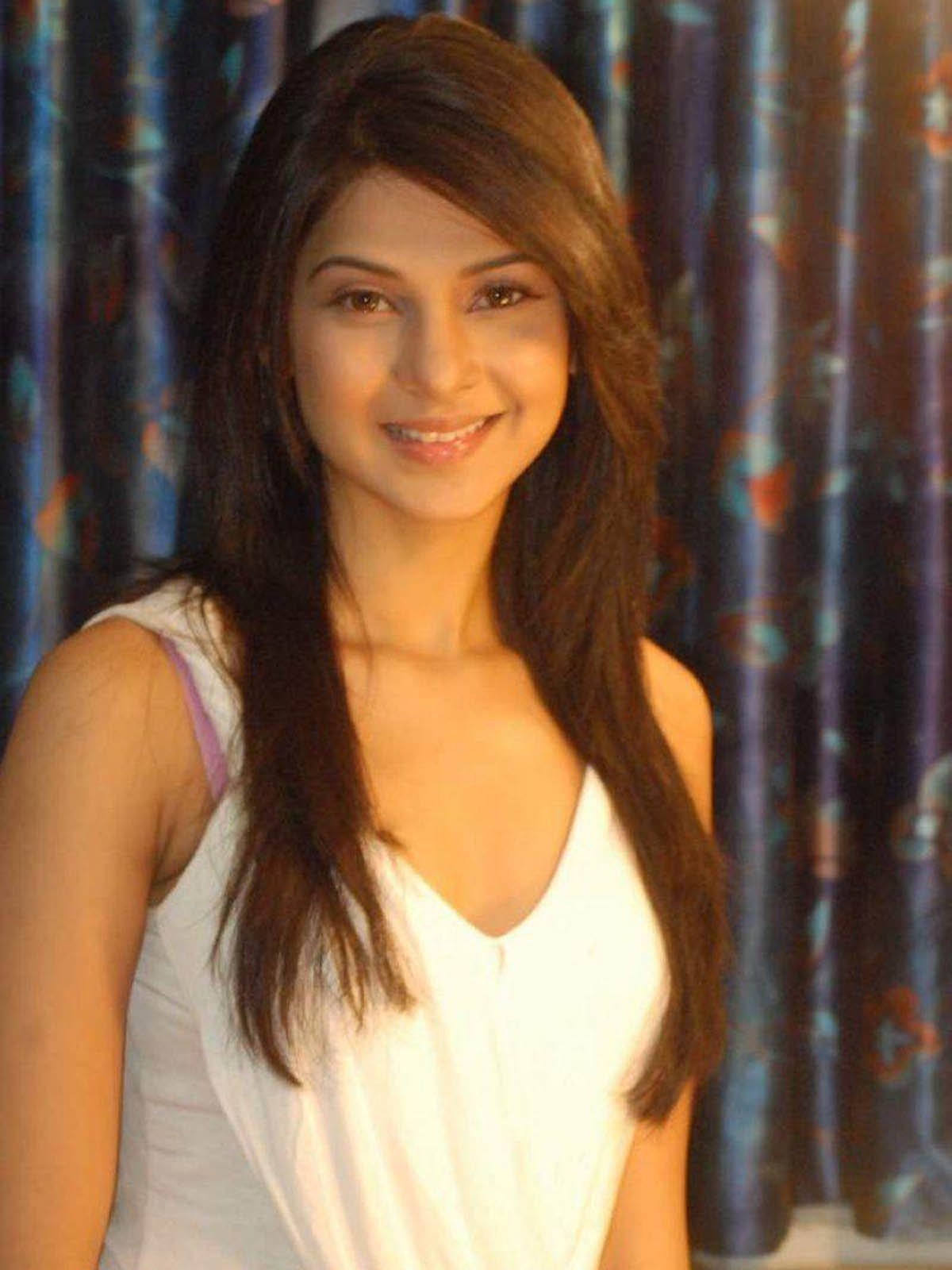 jennifer-winget-sexy-stills