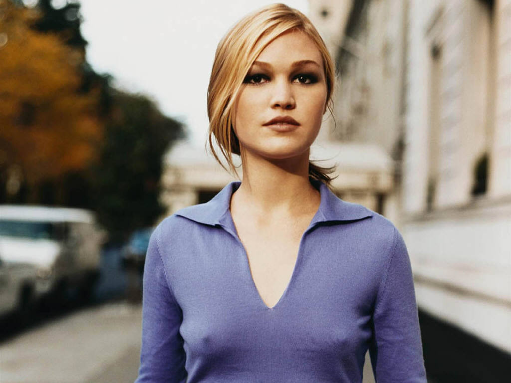 julia-stiles-hot-pictures