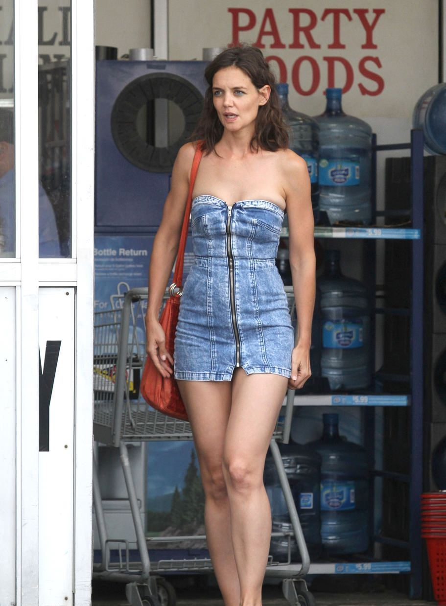 katie-holmes-hot-pics-with-boyfriend