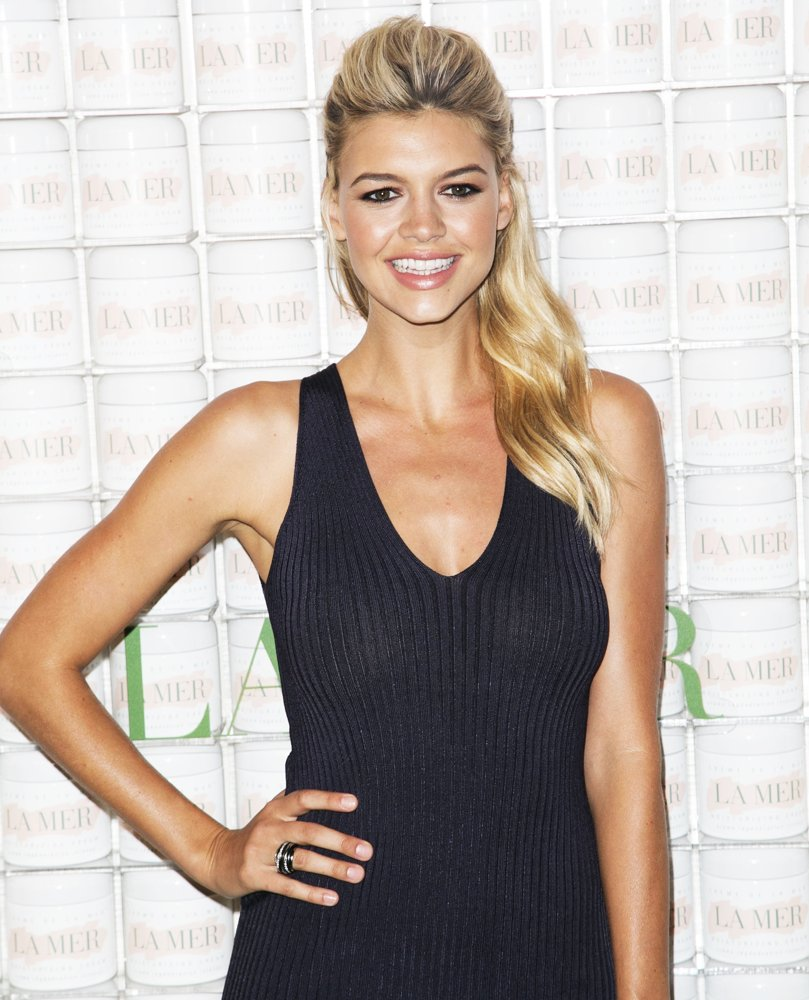 kelly-rohrbach-hot-and-sexy-photos