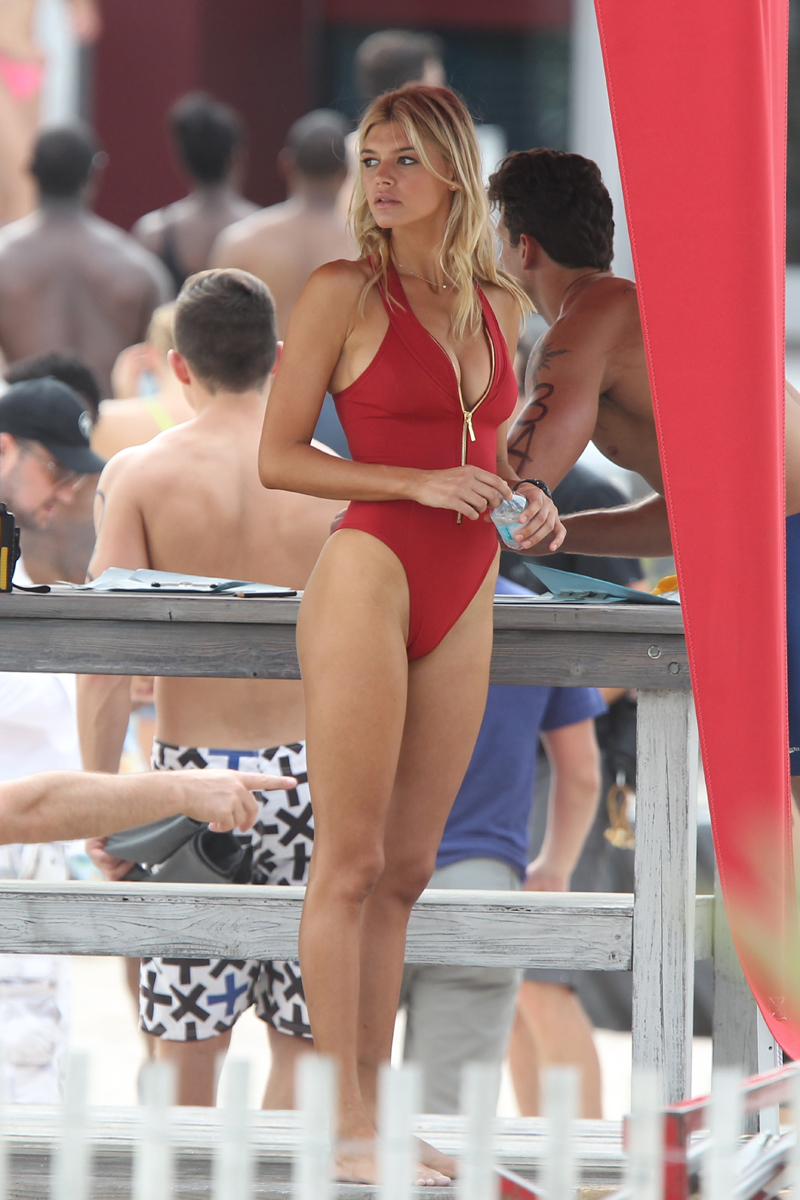 Sports Illustrated model Kelly Rohrbach filming Baywatch in Miami Beach Pictured: kelly rohrbach Ref: SPL1237666  040316   Picture by: Splash News Splash News and Pictures Los Angeles:310-821-2666 New York:212-619-2666 London:870-934-2666 photodesk@splashnews.com